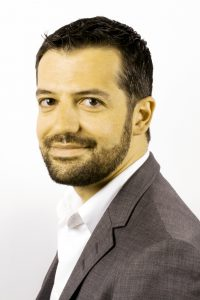 Dimitrios Sakellariou, Ingénieur chimiste.
